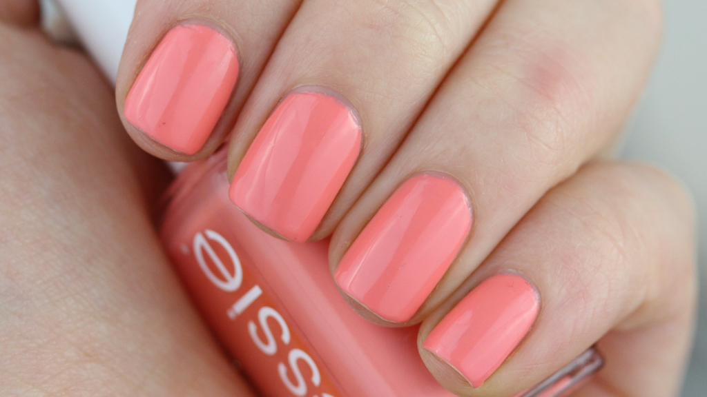 Essie Peach Side Babe 001