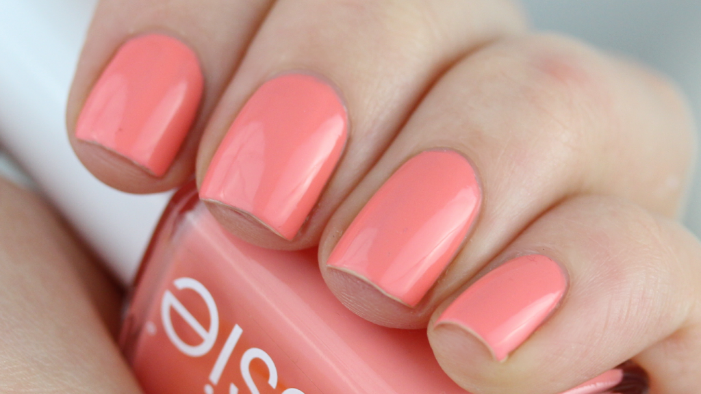 Essie Peach Side Babe 002