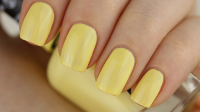 Sally Hansen Miracle Gel - Lemon Heaven swatch