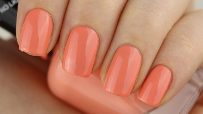 Sally Hansen Miracle Gel - Malibu Peach swatch