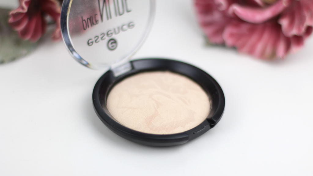 Essence Pure Nude Powder - 2 van 6