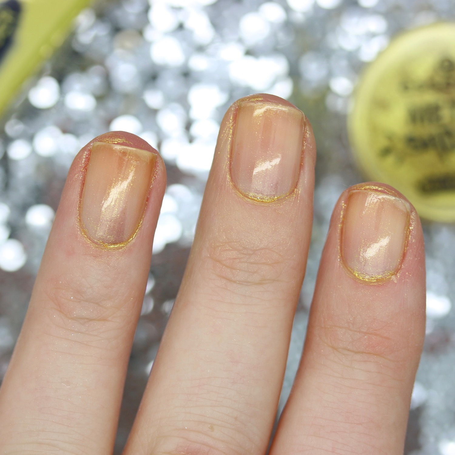 Essence Metal Shock Nail Powder - Review