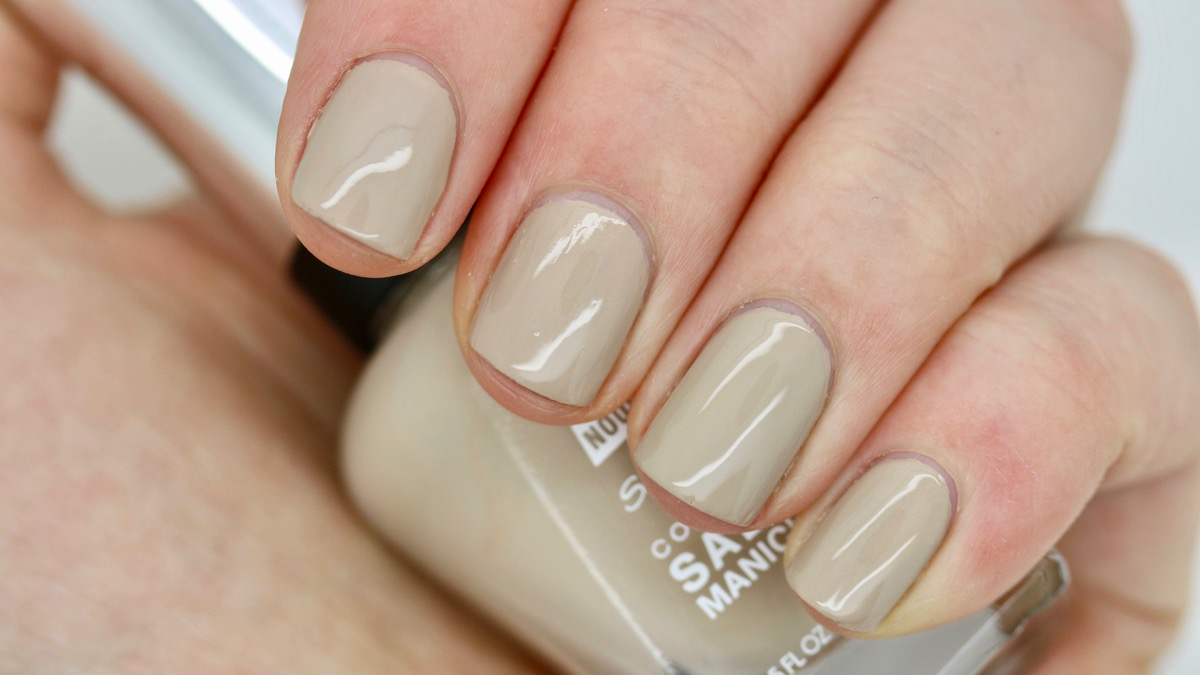 Sally Hansen Know-the-Espa-Drille swatch